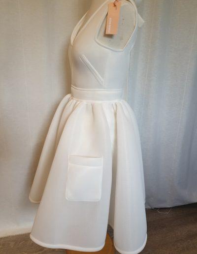 robe-de-mariée-courte-profil