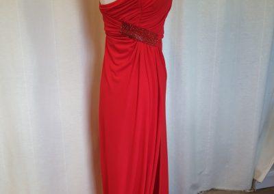 robe-rouge-sexy-profil